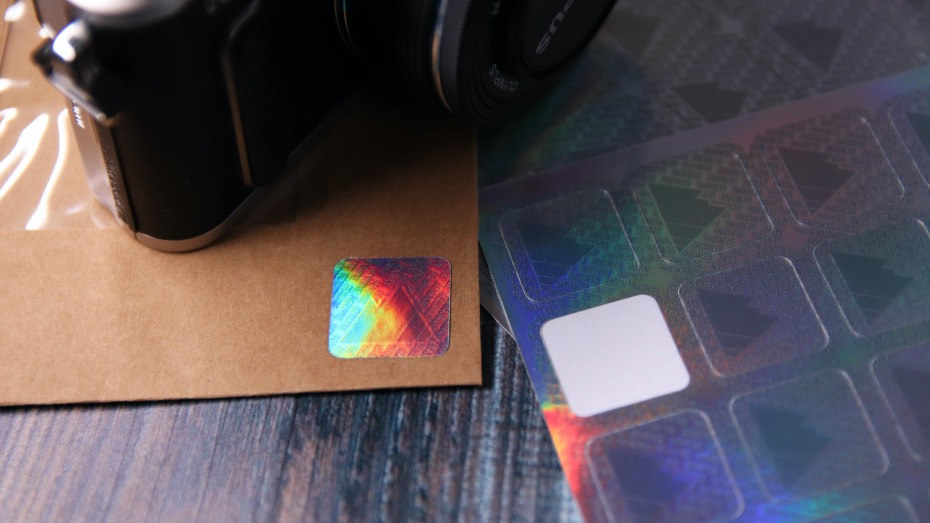 Holographic-security-genuine-mountain-sticker